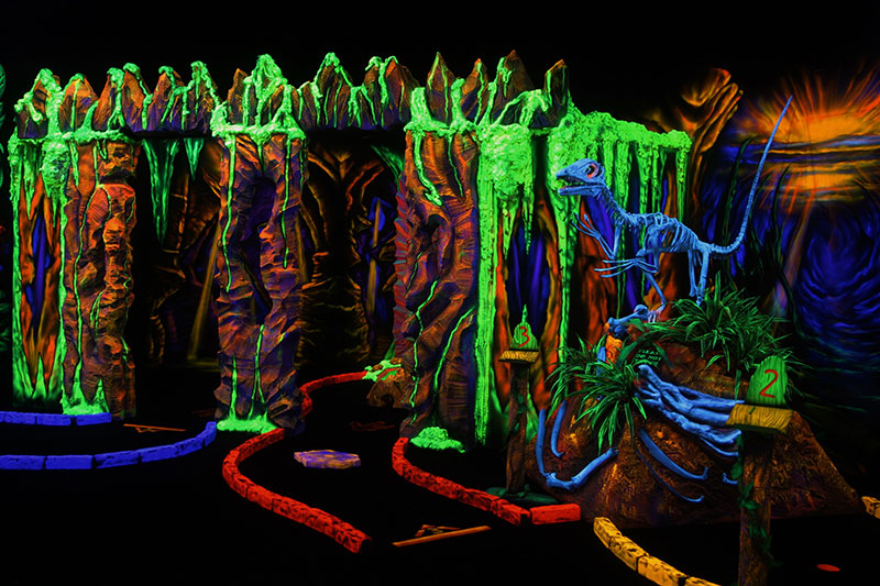 Black Light Miniature Golf Amp Pee Wee Golf In Tri Valley